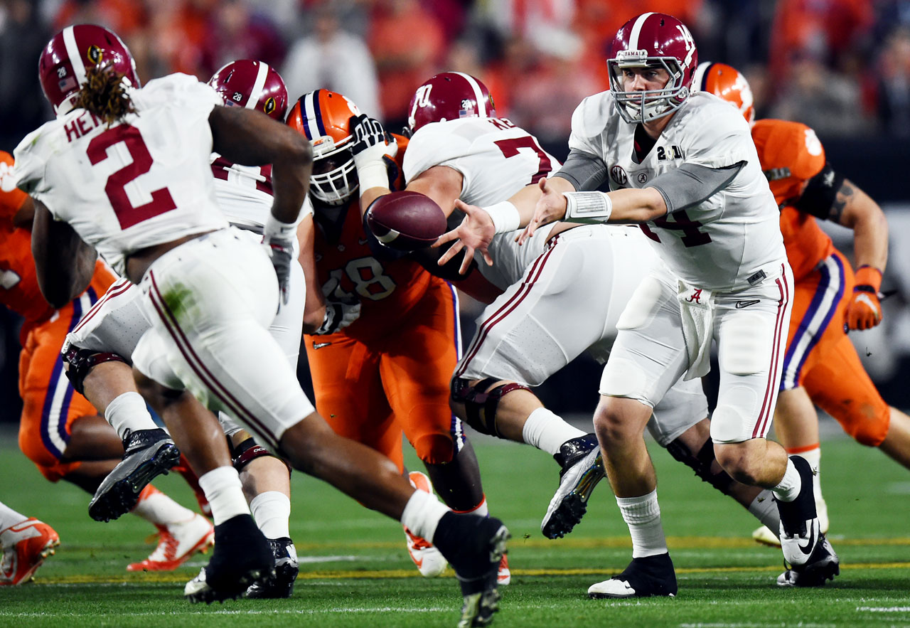 Jake Coker gets the ball into the hands of the Heisman Trophy winner.