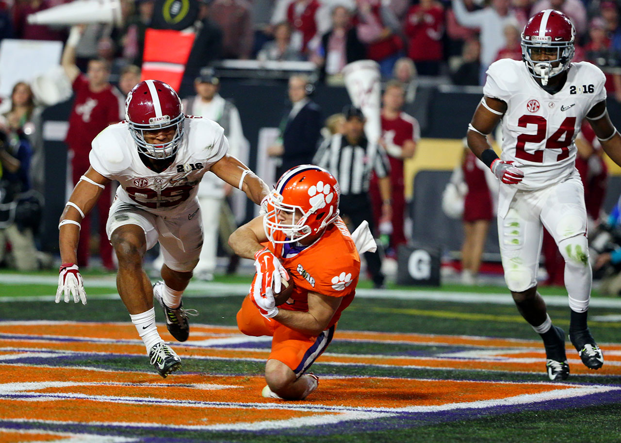 Hunter Renfrow had back-to-back scores to erase a 7-0 Alabama lead.