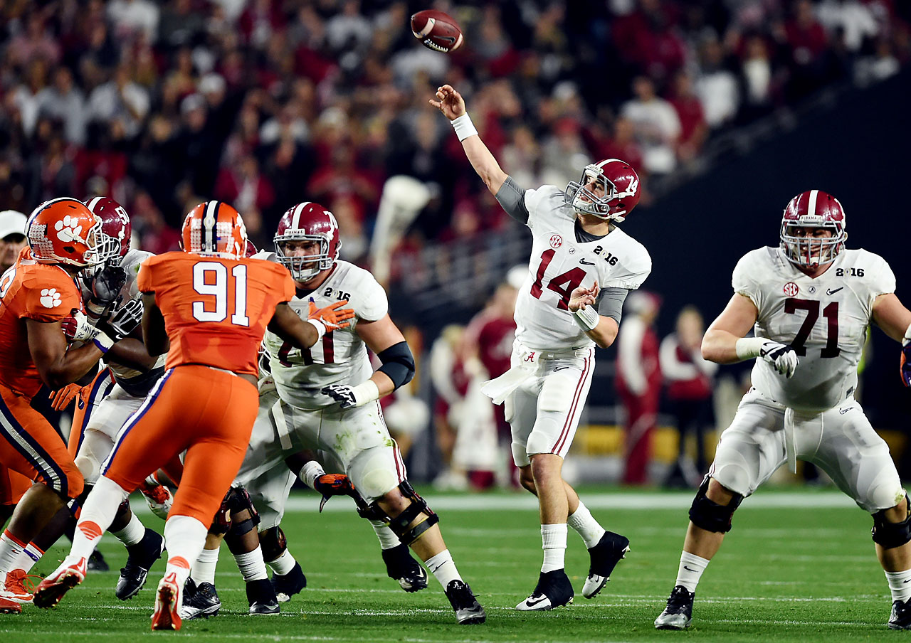 Jake Coker completed 16 of 25 passes for 335 yards and two touchdowns.