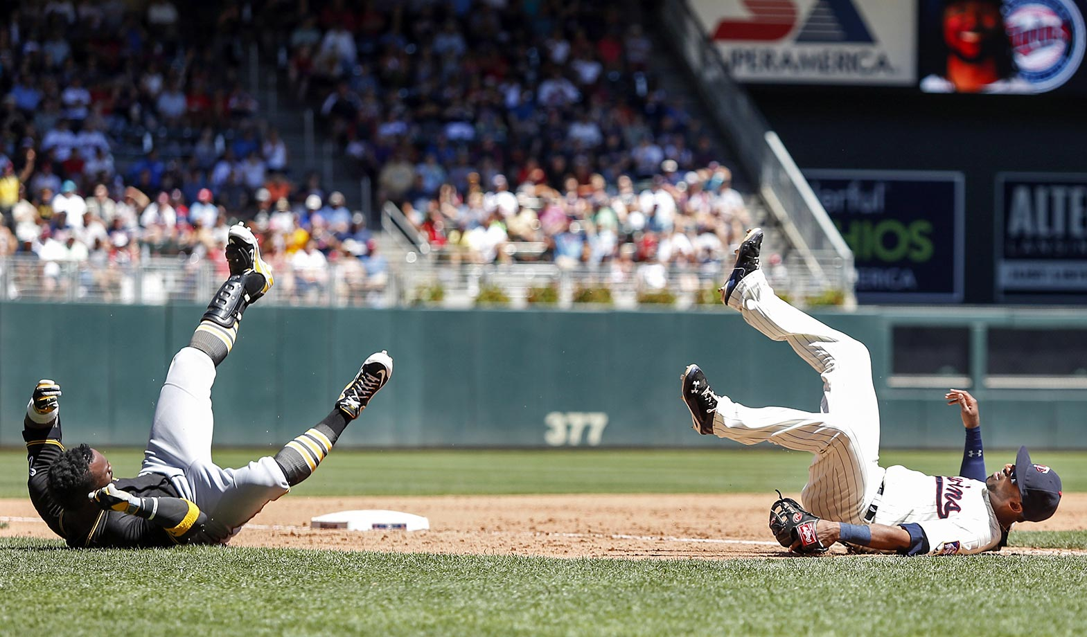 Andrew McCutchen and Eduardo Nunez, July 29, 2015.