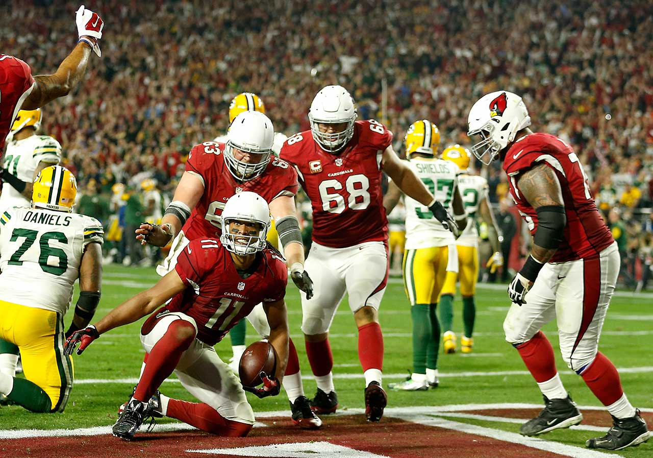 The five-yard shovel pass was Fitzgerald's eight catch of the game and gave him 176 yards receiving.