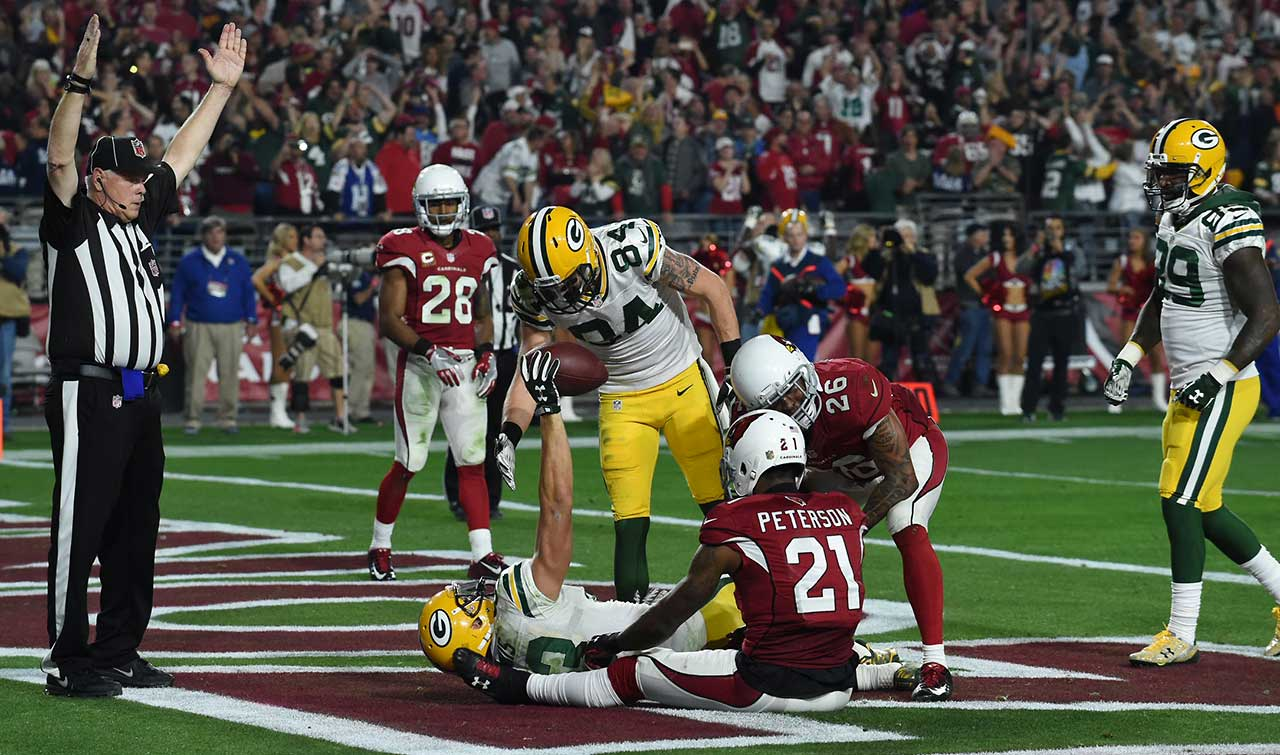 The play was reminiscent of Green Bay's final-play Hail Mary against Detroit this season.