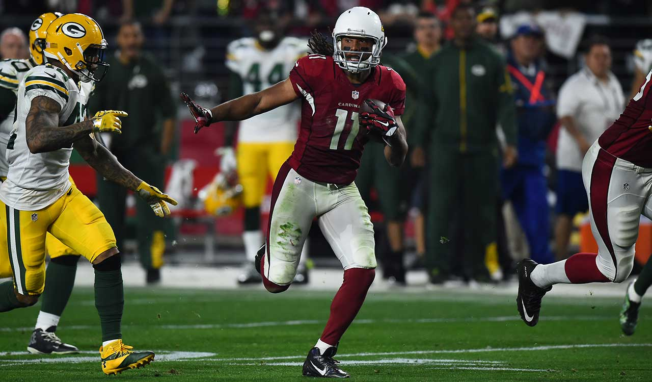 Fitzgerald put the Cardinals in position for the winning touchdown when turned a short pass from Palmer into a 75-yard gain on the first play of overtime.
