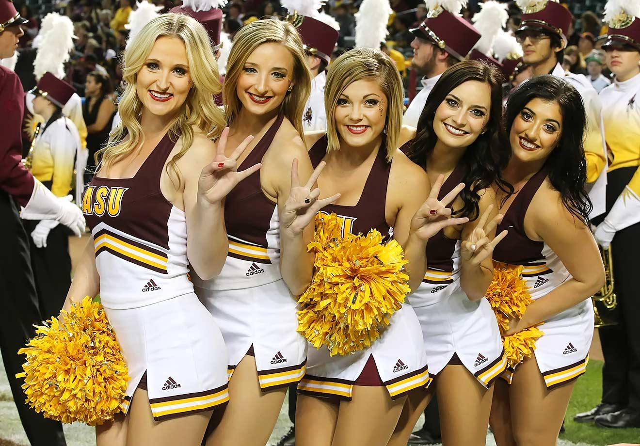 Love university of arizona cheerleader