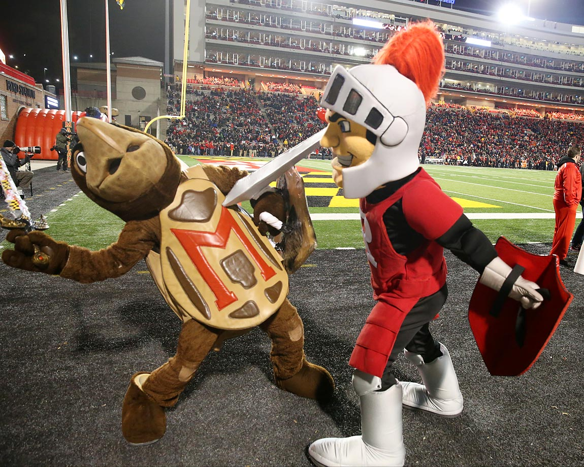 In their first meeting in the Big 10 conference, the Rutgers Scarlet Knights defeated the Maryland Terrapins 41-38 at Byrd Stadium.