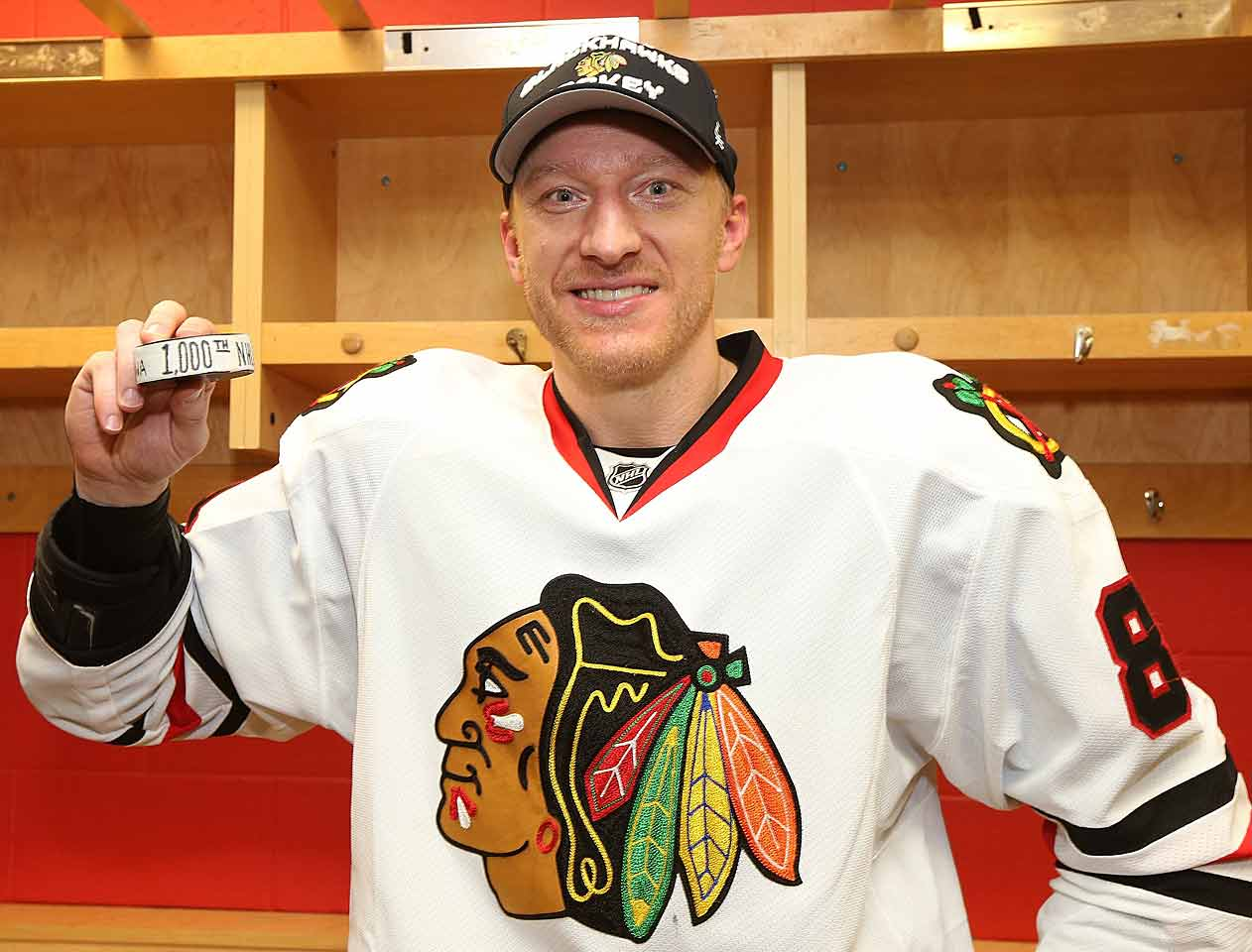 Marian Hossa returns to Ottawa, where he began his career in 1997-98, to play his 1,000th NHL game. With an assist on Jonathan Toews' first period goal, Hossa notches his 999th point and adds a goal in Chicago's 5-4 shootout win to become the 80th player in NHL history to score 1,000 points.