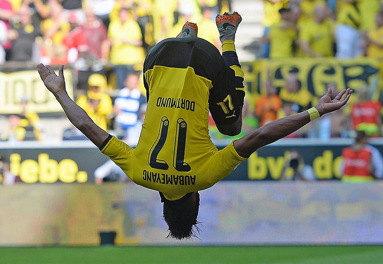 Pierre Emerick Aubameyang celebrates his goal during a game between Borussia Dortmund and Hertha Berlin.