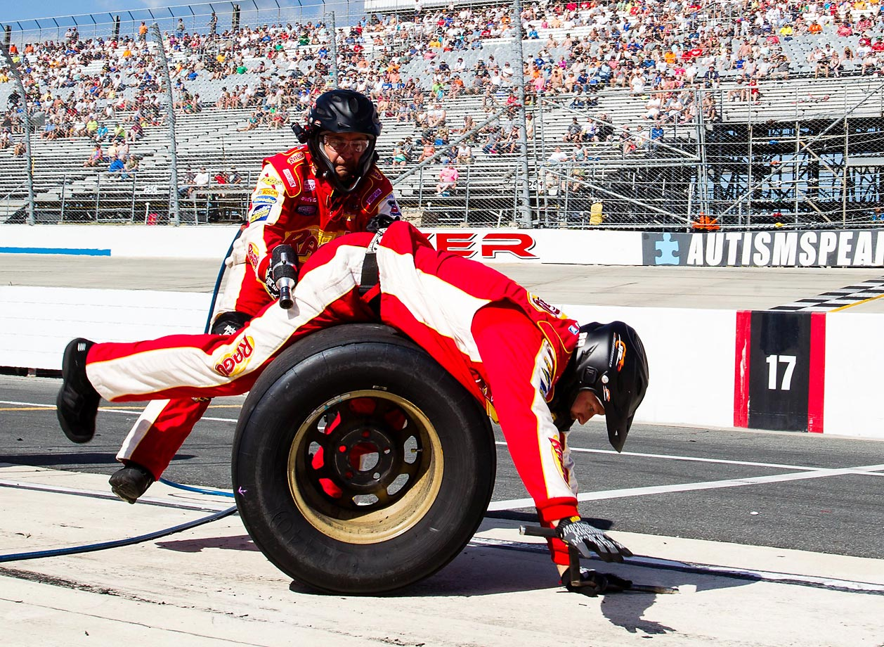 The Buckle Up 200 was host to a pit stop gone awry for the rear tire team of the #88 Ragu Chevrolet at the Dover International Speedway on May 30.