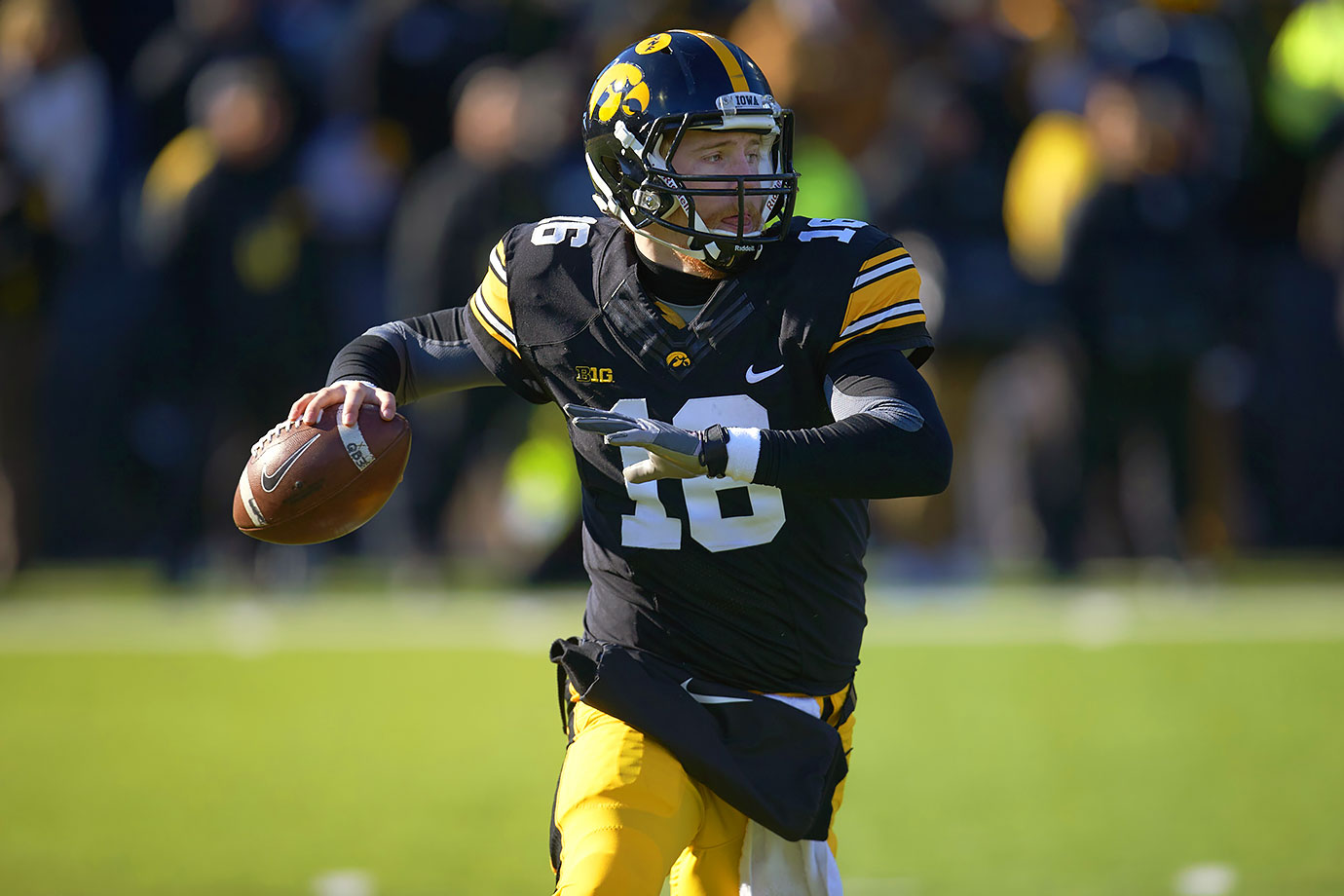 In his first full year as the starting quarterback, Beathard led Iowa to a 12–2 record, including appearances in both the Big Ten title game and the Rose Bowl. He threw for 2,570 yards and 15 touchdowns.