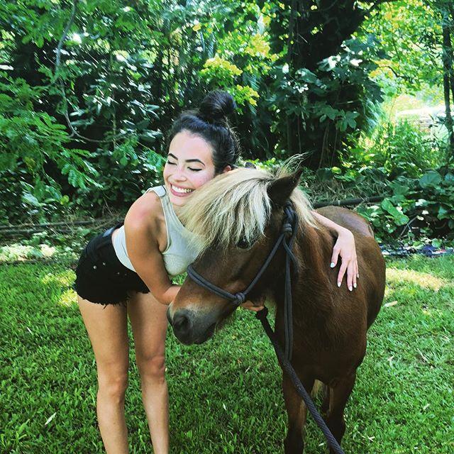 Chloe Bridges :: @chloebridges/Instagram