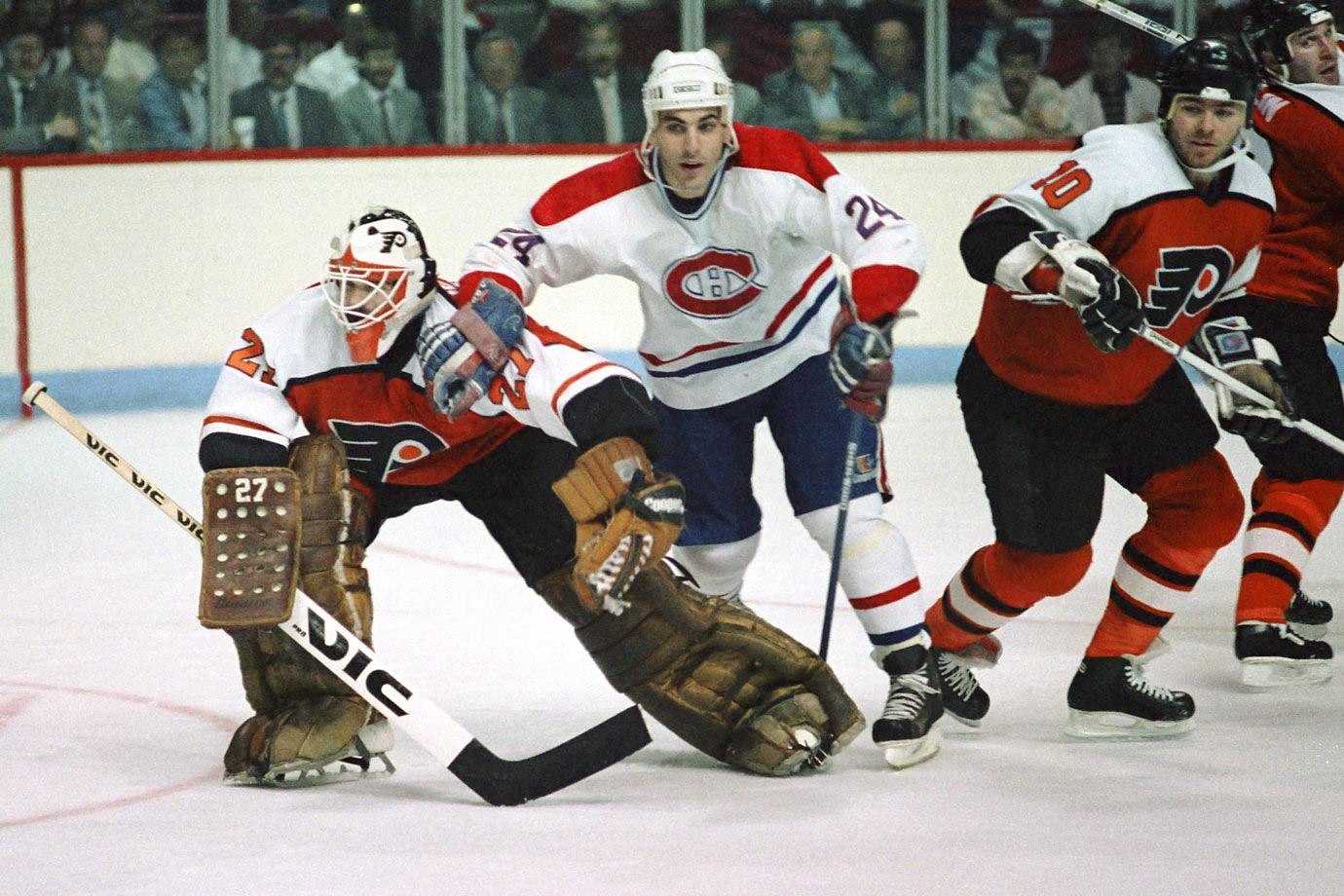 No one was more ill tempered or inspired more animosity in opponents. His 2,891 penalty minutes, second among NHL blueliners, were well earned. Flyers' goalie Ron Hextall once compromised his team's comeback in the closing minutes of a playoff game by chasing Chelios and pounding away. A three-time Norris Trophy winner, Cheli played to age 48 and his 1,651 games rank fifth all-time and first among defenseman.