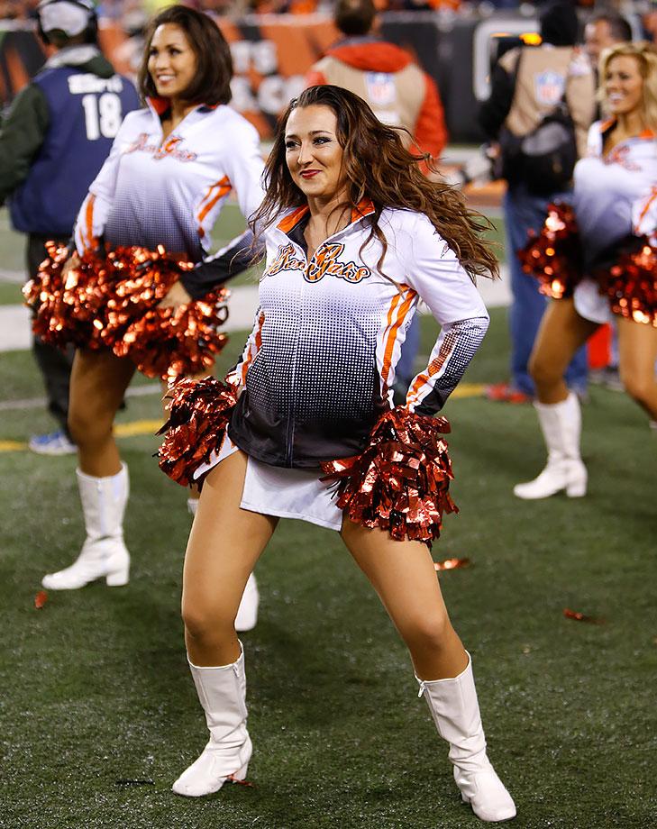 NFL Cheerleaders: Week 10 | SI.com