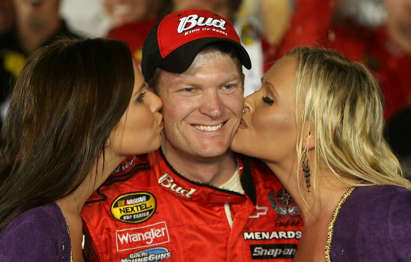 Dale Jr. broke a 46-race winless streak in the tenth race of the season, securing his last ever win in the No. 8 Budweiser car.