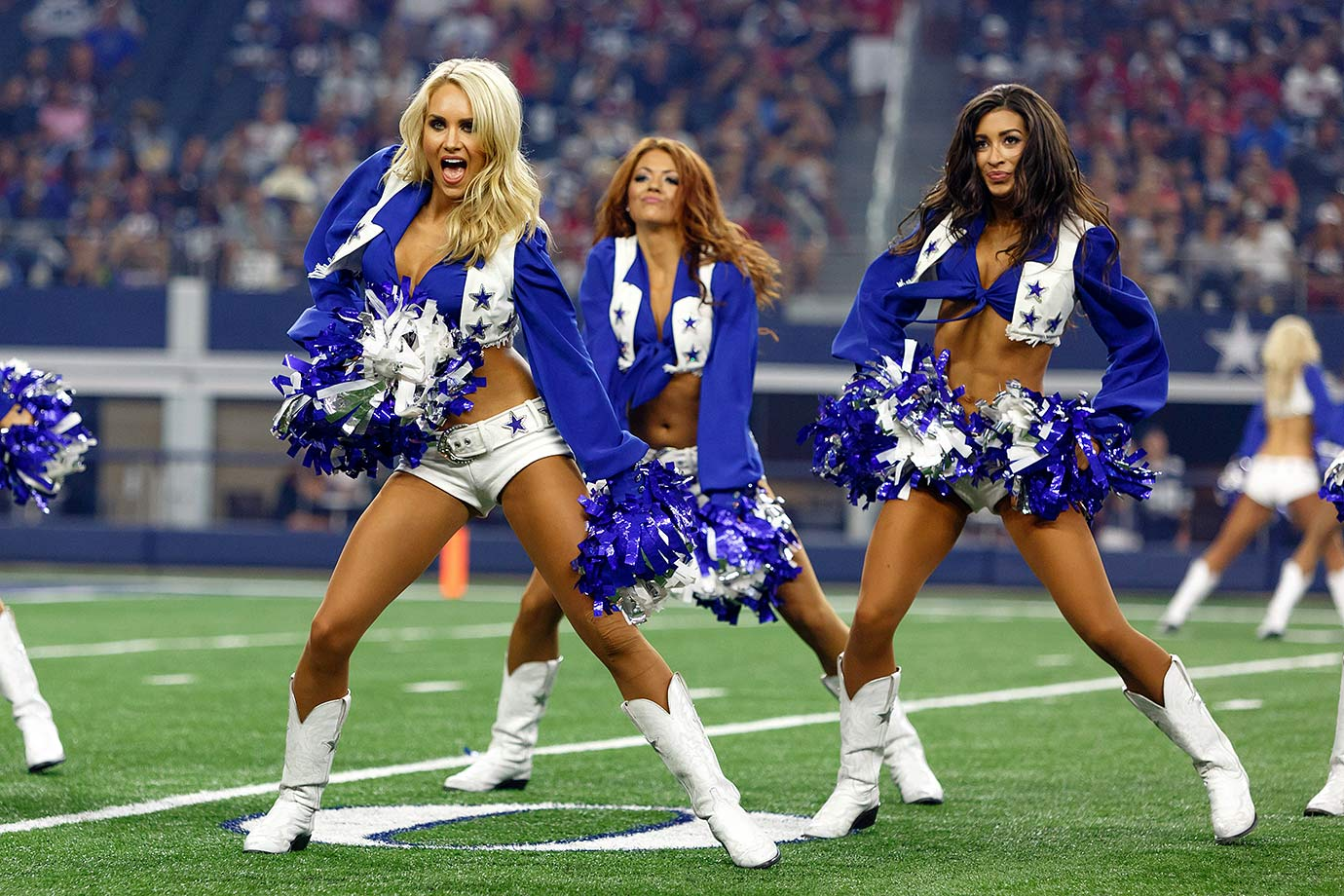 Dallas Cowboys Cheerleaders Bar1308290732 Texans At Cowboys | Short ...