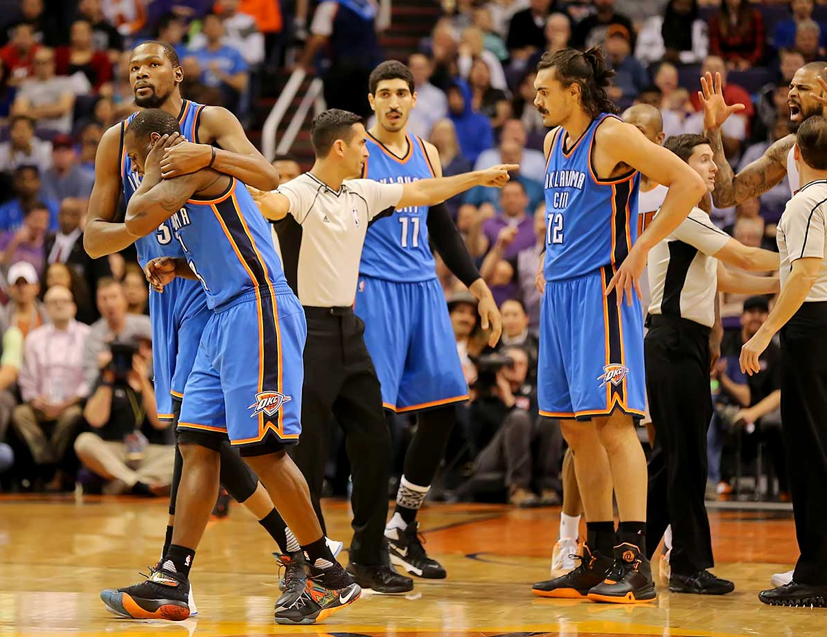 Dion Waiters and Tyson Chandler, far right, get hit with double technicals.