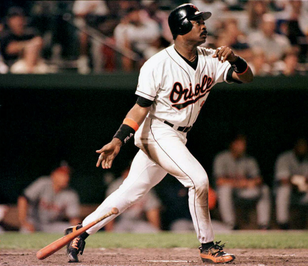 Murray, who never hit more than 33 homers in a season, is one of four players with 500 homers and 3,000 hits. Eddie Murray became the 15th member of the 500 club on Sept. 6, 1996, in Baltimore with a solo homer off Detroit's Felipe Lira.