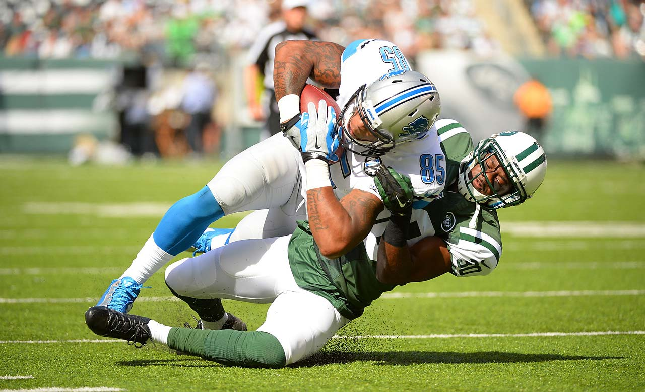 Detroit tight end Eric Ebron scored on a 16-yard pass for the first touchdown of his career.