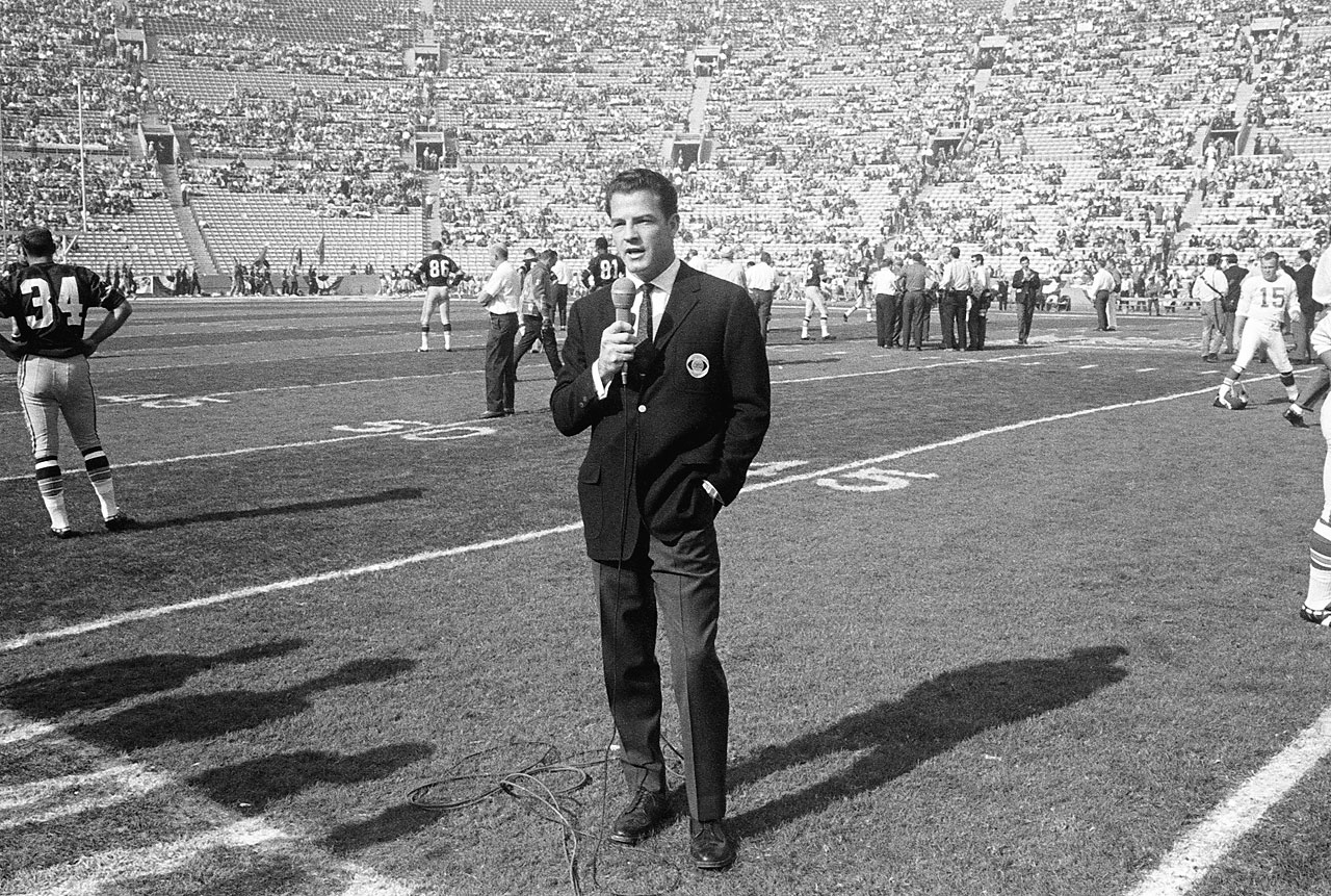 Gifford at the First World Championship Game, AFL vs. NFL, later known as Super Bowl I, at the Los Angeles Memorial Coliseum in 1967.