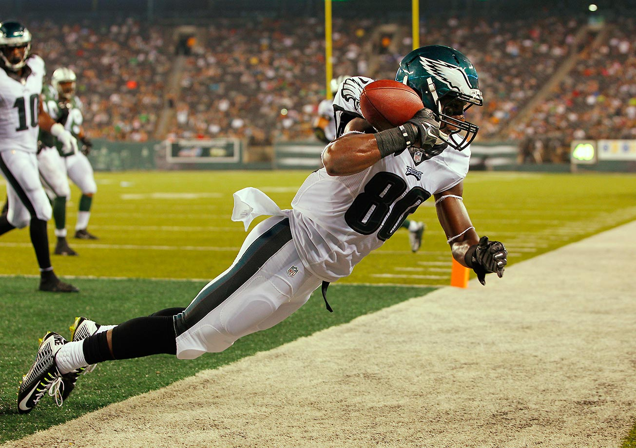 Freddie Martino makes a catch for a touchdown against the Jets.