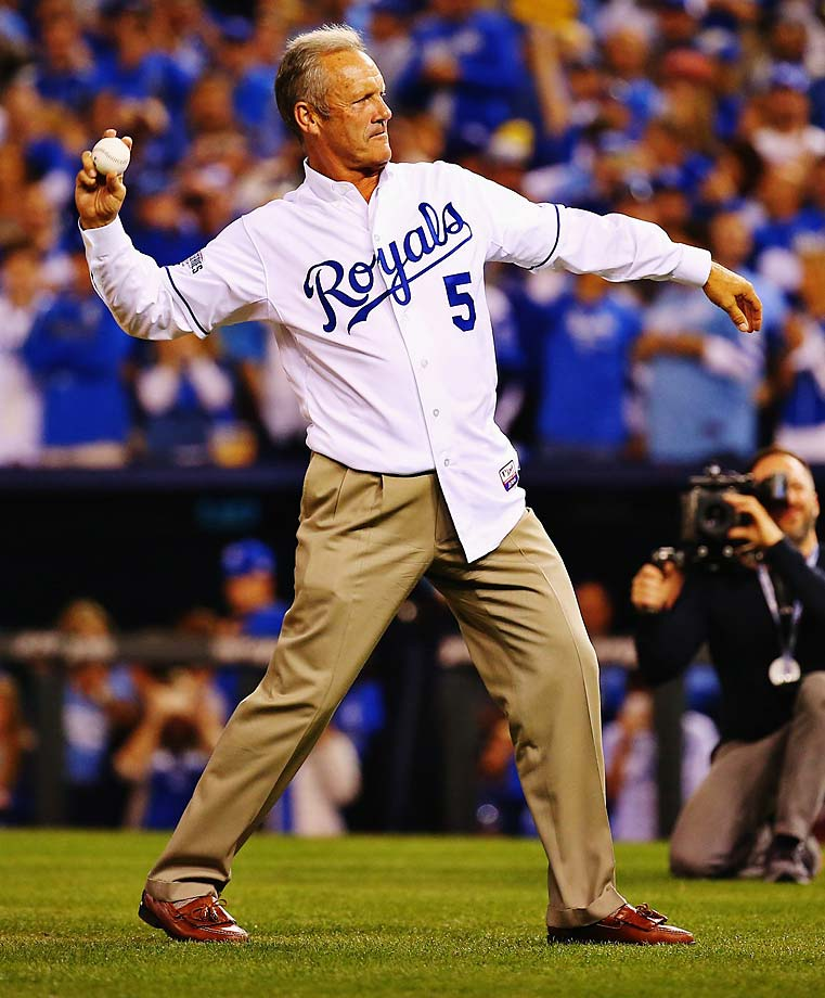 George Brett threw out the first pitch in Game 2.
