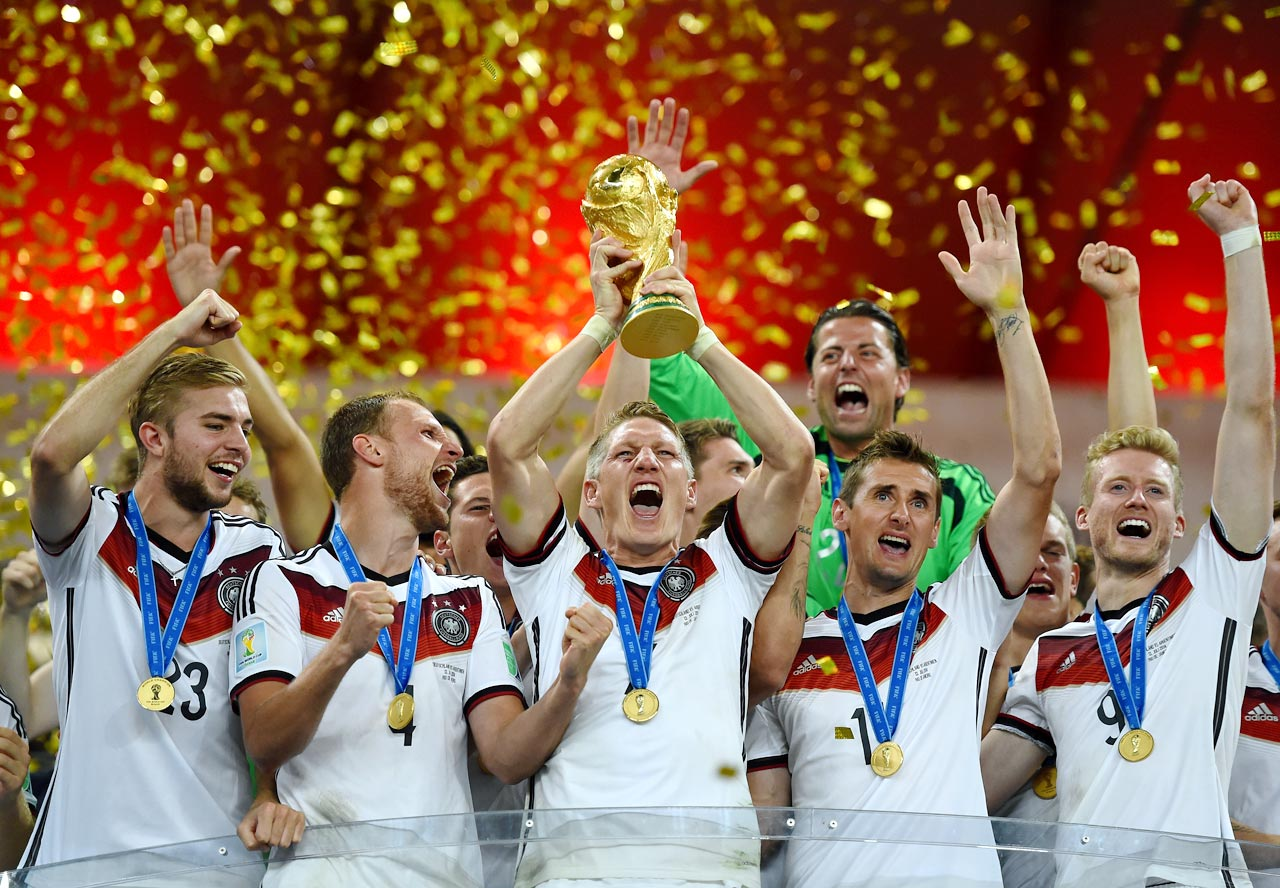 Germany defeats Argentina 1-0 to win the 2014 World Cup.