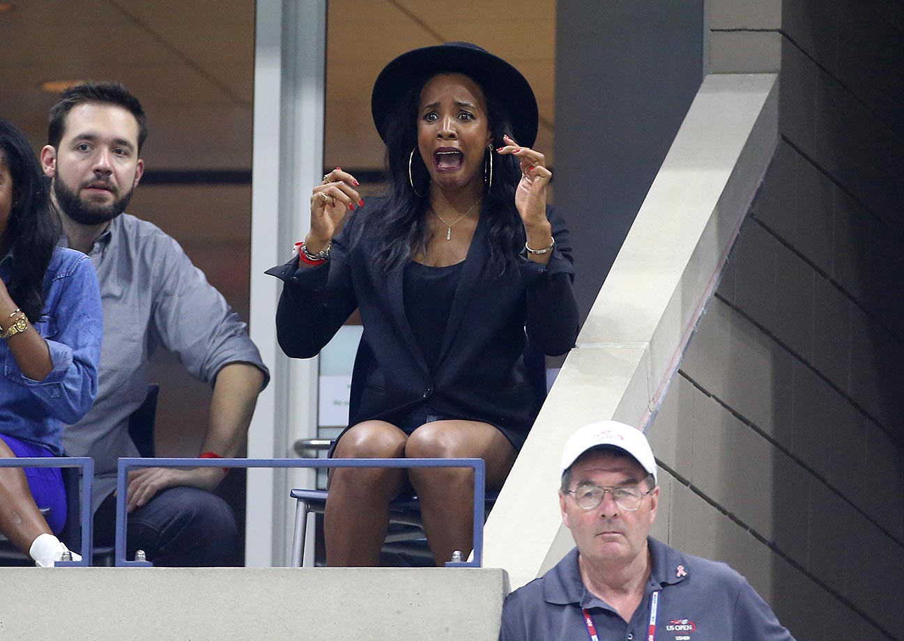 Kelly Rowland cheers for her friend Serena Williams at the U.S. Open.