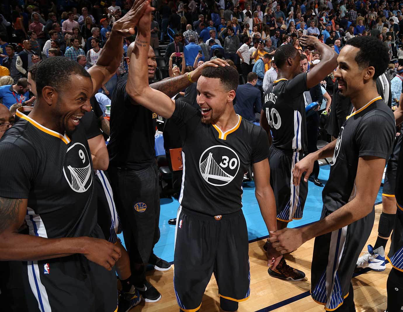Stephen Curry celebrates after the win over the Oklahoma City Thunder.