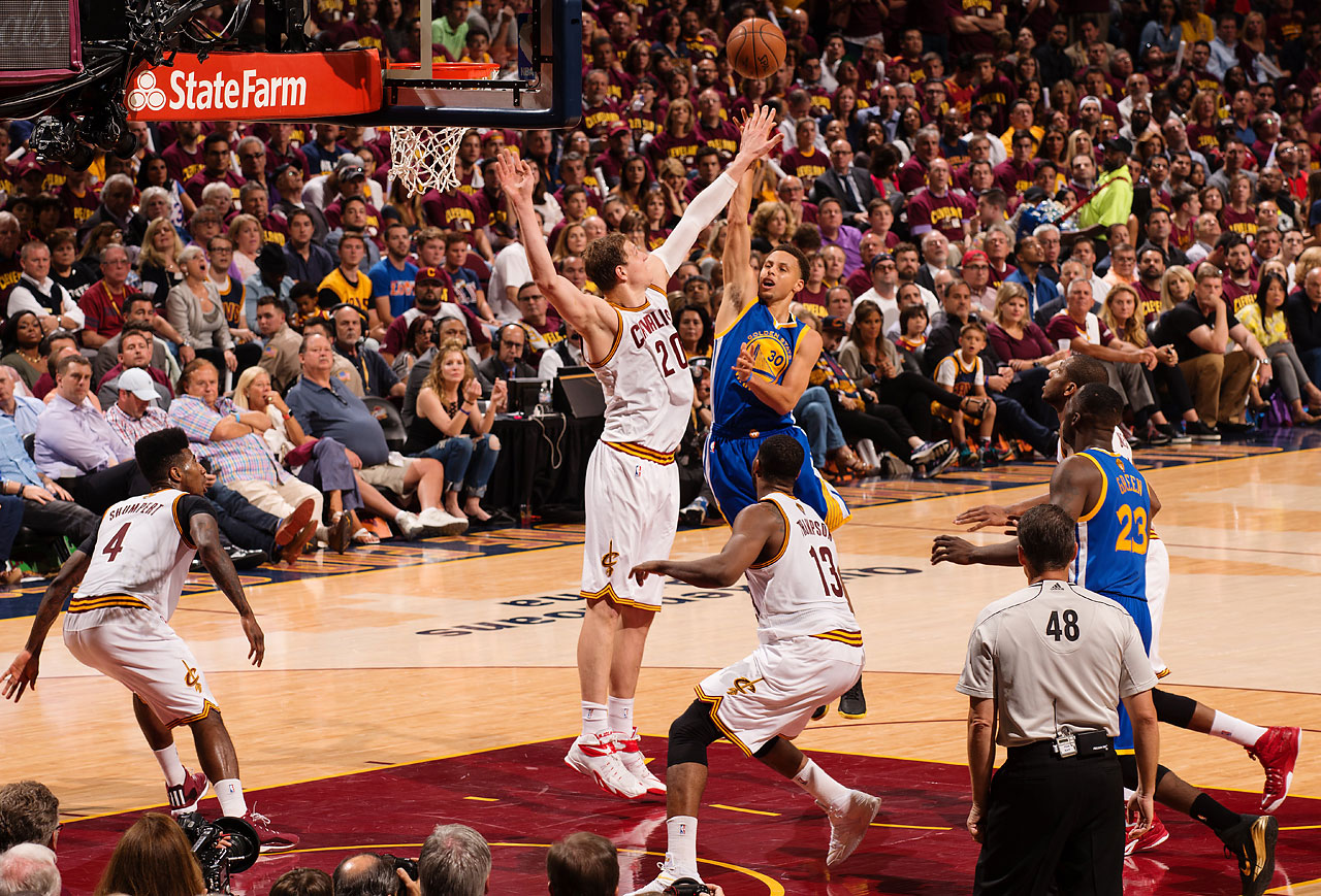 Steph Curry made only three of his 11 three-point attempts and hit eight of 19 overall.