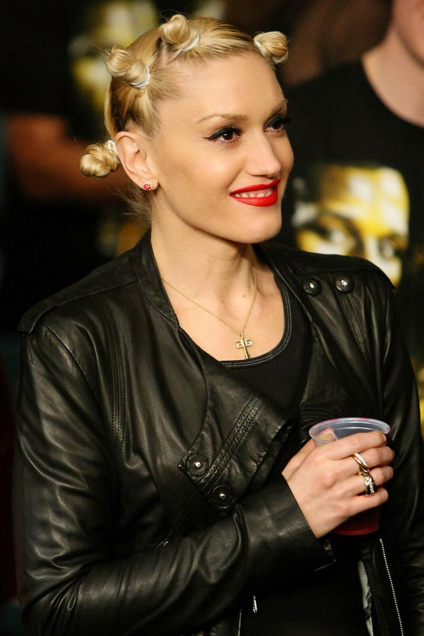 Gwen Stefani looks on before the fight between Ricky Hatton and Floyd Mayweather Jr.