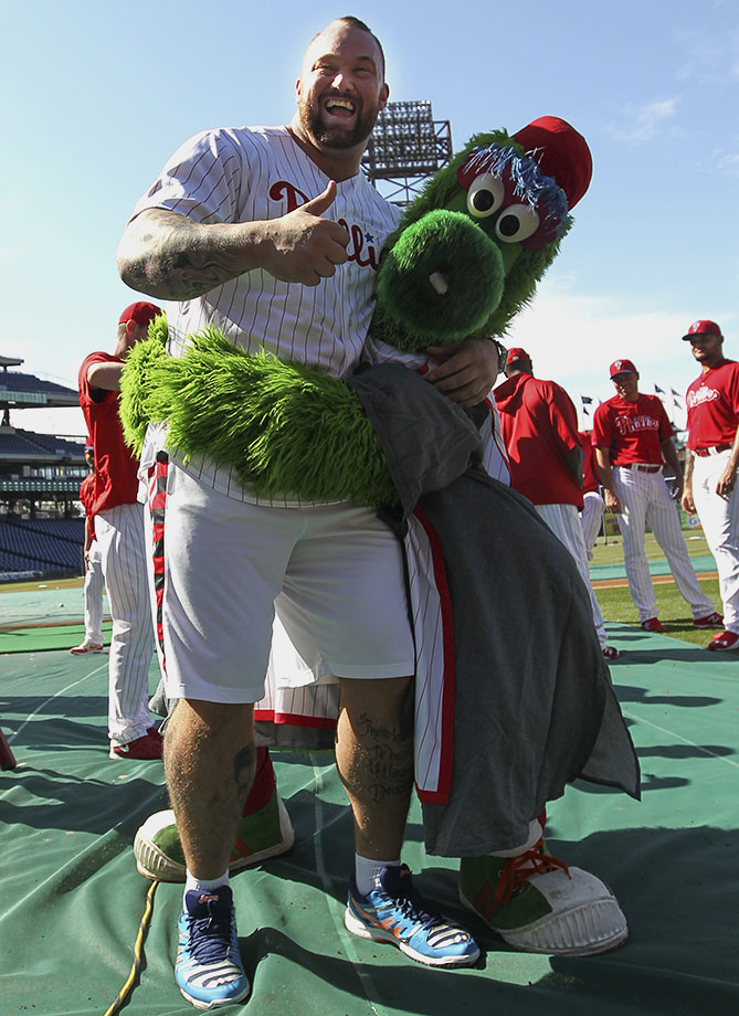 Hafthor Bjornsson poses with the Phillie Phanatic before the Philadelphia Phillies game against the Arizona Diamondbacks on May 15, 2015 at Citizens Bank Park in Philadelphia.