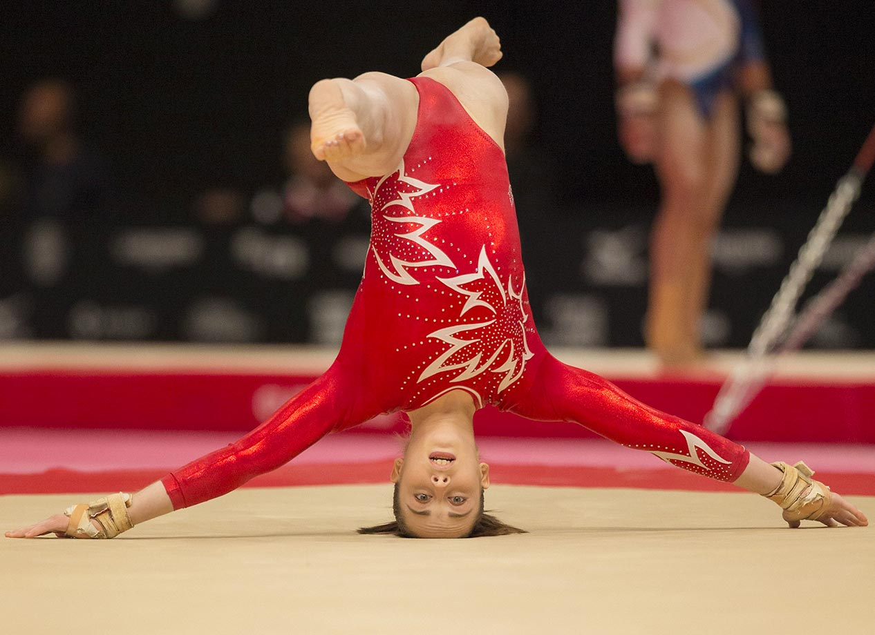 Isabela Onyshko performs at the Artistic Gymnastics World Championships.