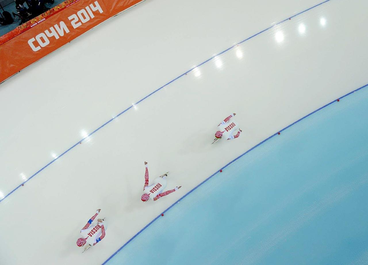 Aleksandr Rumyantsev,  Ivan Skobrev and Denis Yuskov of Russia won their heat in the Team Pursuit.