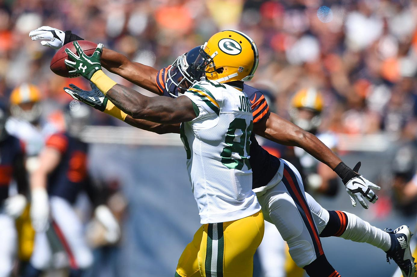 James Jones catches one of his early-season touchdowns.