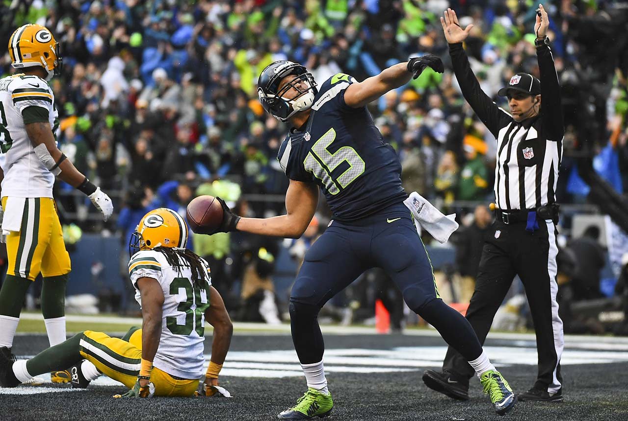 Kearse has now scored a touchdown in four consecutive playoff games.