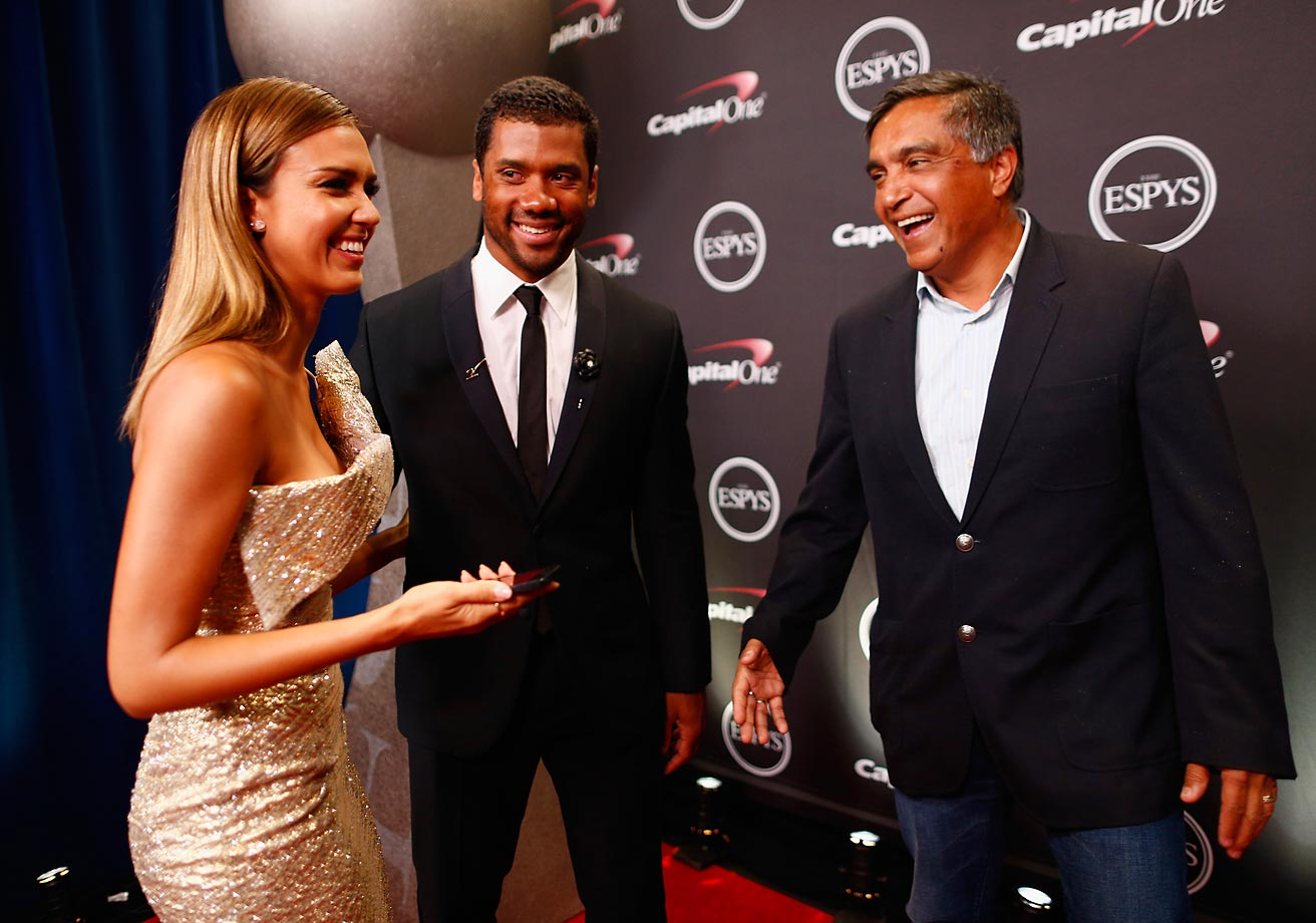 LOS ANGELES, CA - JULY 16:  NFL quarterback Russell Wilson with actress Jessica Alba and her father Mark Alba  attends The 2014 ESPYS at Nokia Theatre L.A. Live on July 16, 2014 in Los Angeles, California.  (Photo by Christopher Polk/Getty Images For ESPYS)