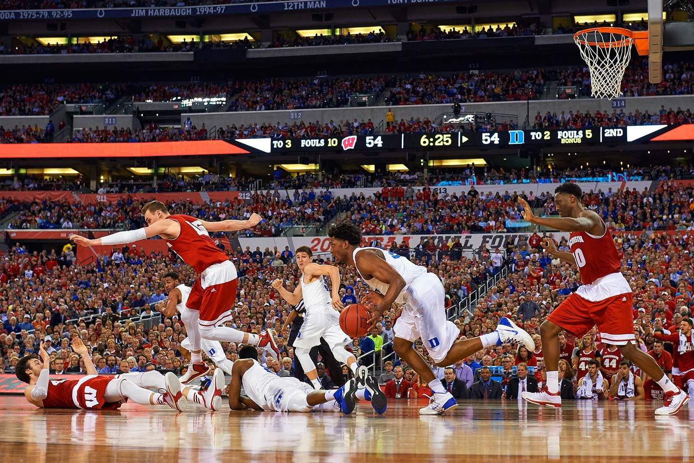 Justise Winslow and Duke overcame a nine-point second-half deficit in the win.