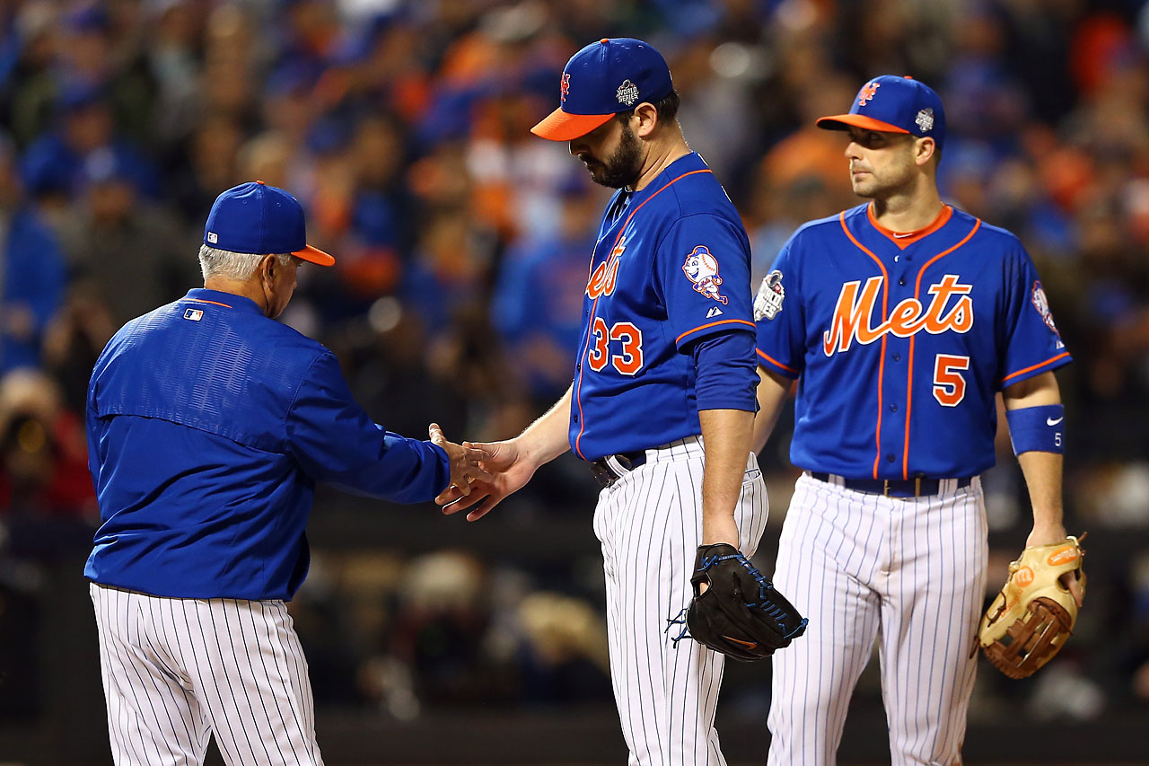 Matt Harvey of the New York Mets is relieved in the ninth inning against the Kansas City Royals.