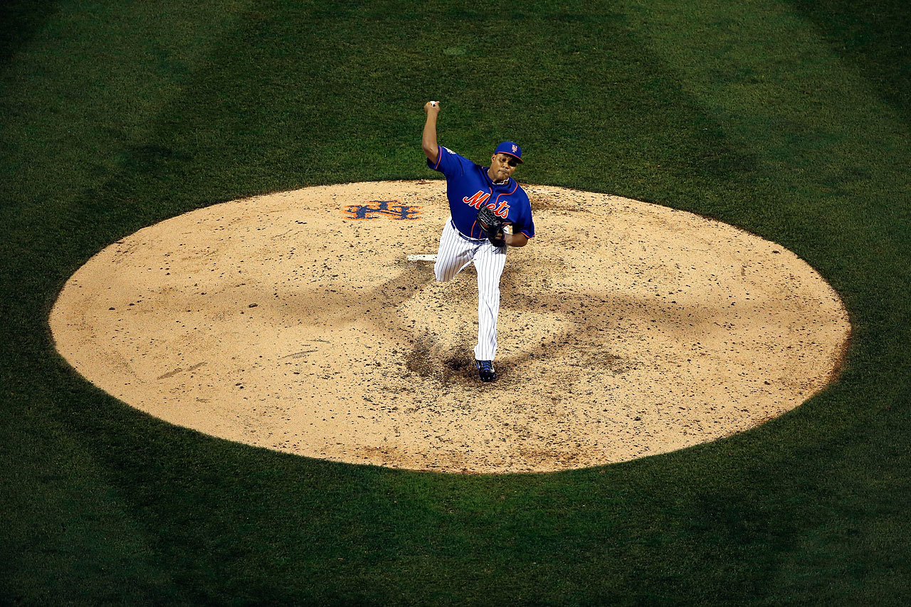 Jeurys Familia throws a pitch against the Kansas City Royals during Game 5at Citi Field.