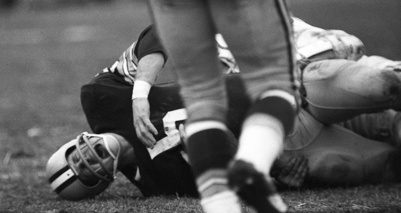 Paul Hornung of the Packers was injured in the same game.