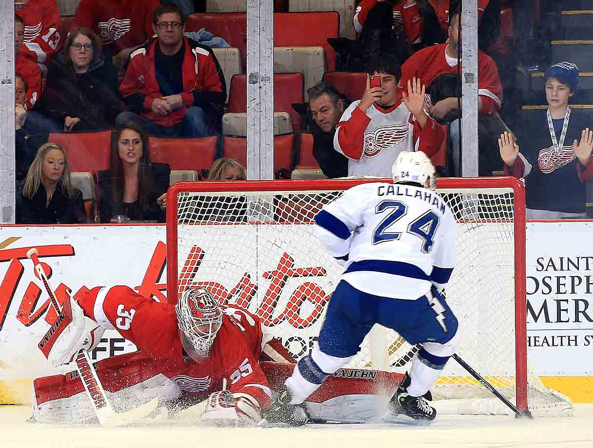 A 4-3 shootout win over Detroit gave the Lightning win their sixth straight win, their longest such streak of the season. In a 13-day span, Tampa Bay notched victories over Arizona, Philadelphia, Washington, Calgary, Columbus and Detroit again before finally falling to Chicago in a shootout.