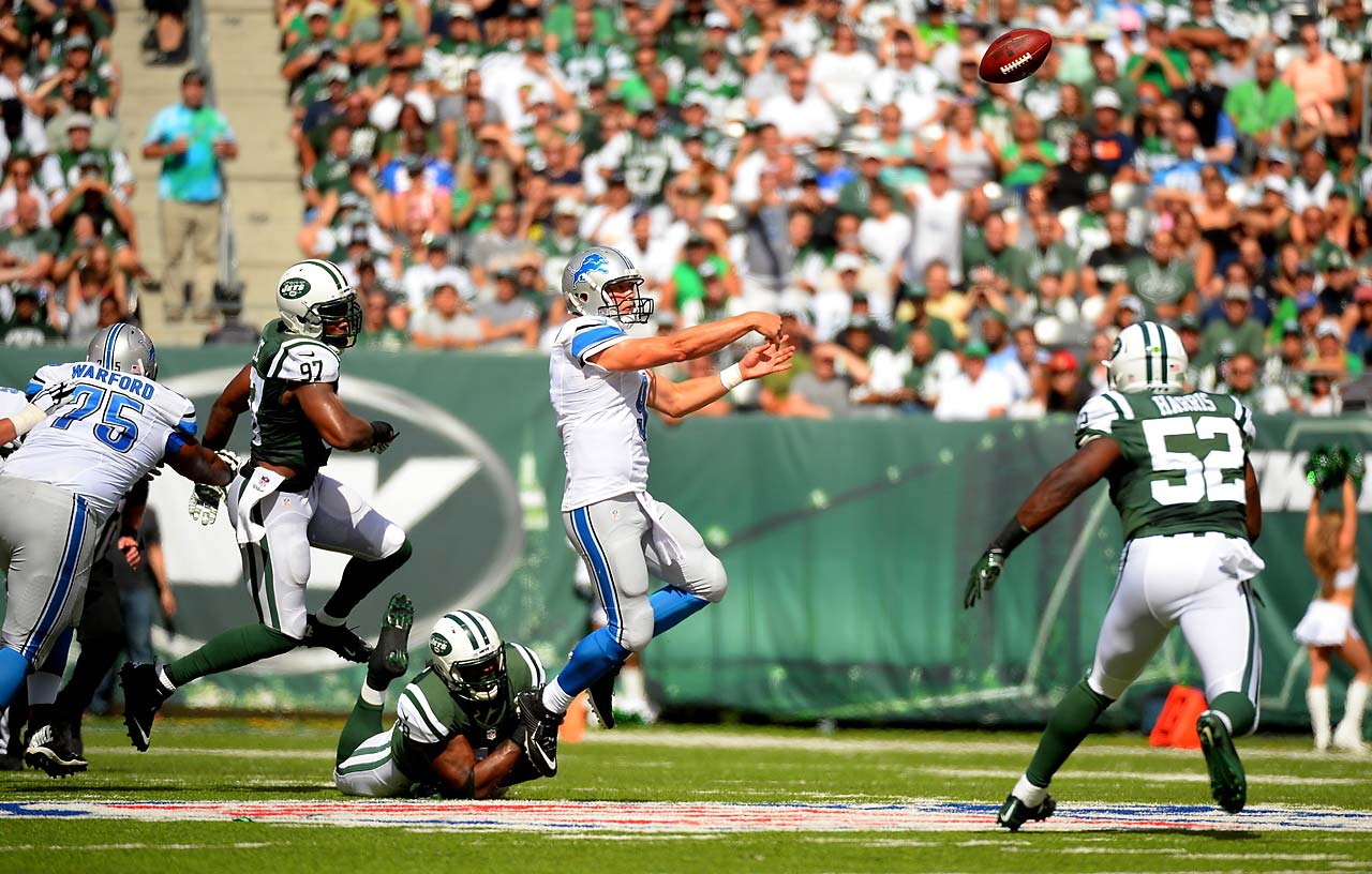 Matthew Stafford completed 24 of 34 passes for 293 yards and two touchdowns. He also ran for a score.