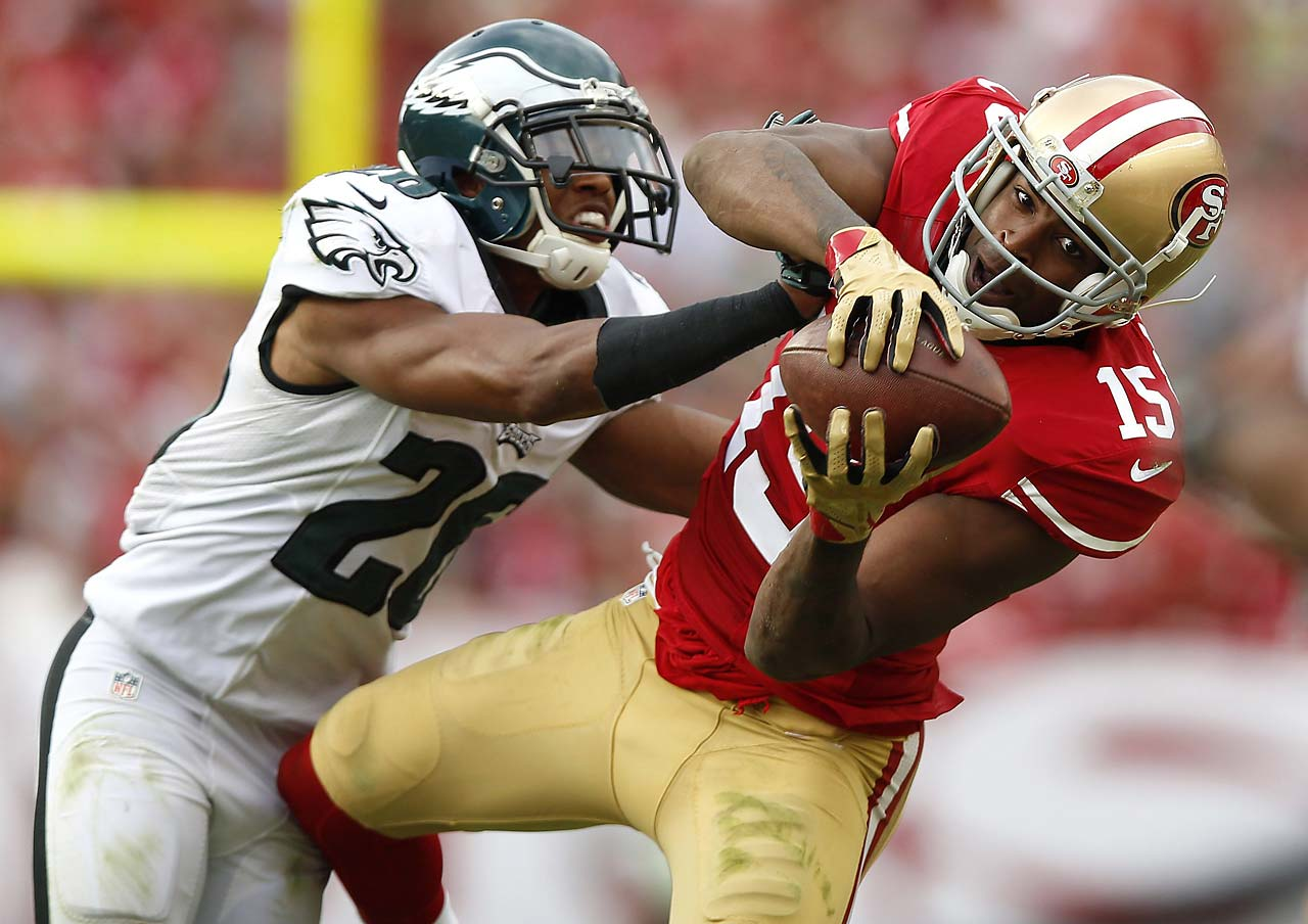 Michael Crabtree makes a reception in the 49ers' 26-21 win over Philadelphia.