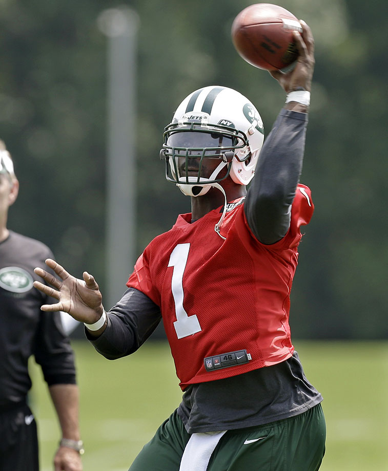 Michael Vick is starting anew with his third NFL team, this time the New York Jets. Seeing how he meshes with his teammates will be crucial to figuring out whether he'll be a success story or a benchwarmer in New York.  Second, he'll be locked in a battle to determine the Jets' Week 1 starter at quarterback and it would be surprising if he didn't at least challenge for that top spot.
