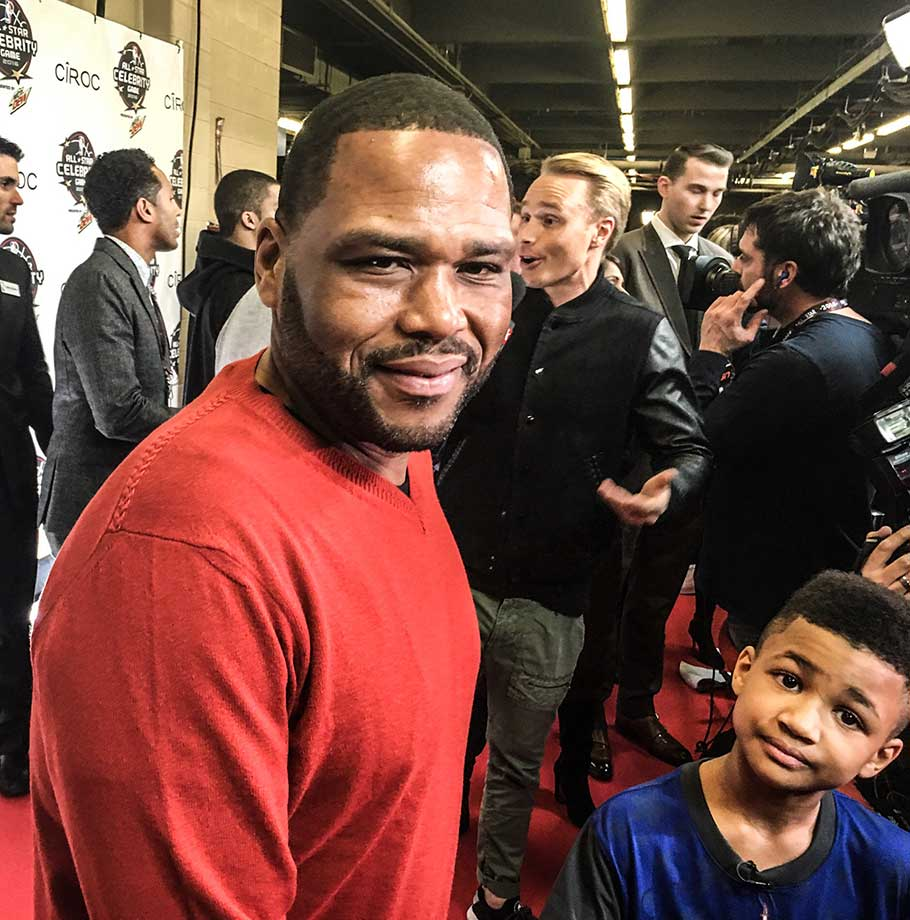 Anthony Anderson of Blackish hits the red carpet for the All-Star celebrity game.