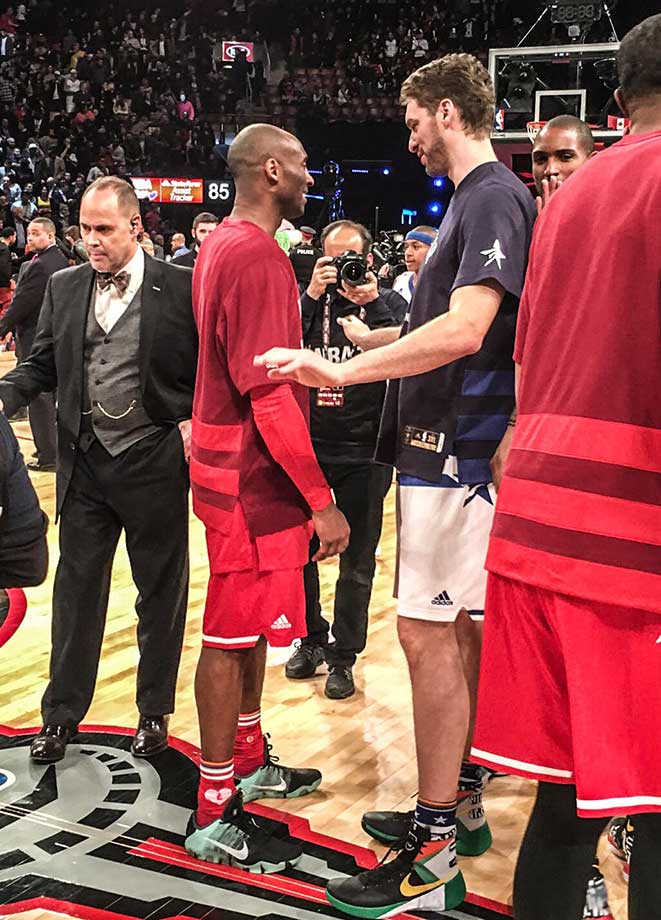 Former teammates Kobe Bryant and Pao Gasol at the All-Star game.