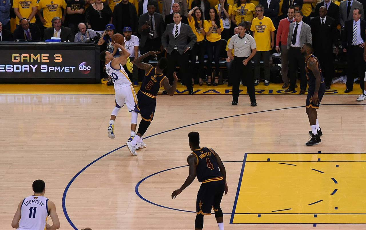 Steph Curry got J.R. Smith to foul out on this play, then put Golden State in front 93-92 on the two free throws with 29.5 seconds left in overtime.