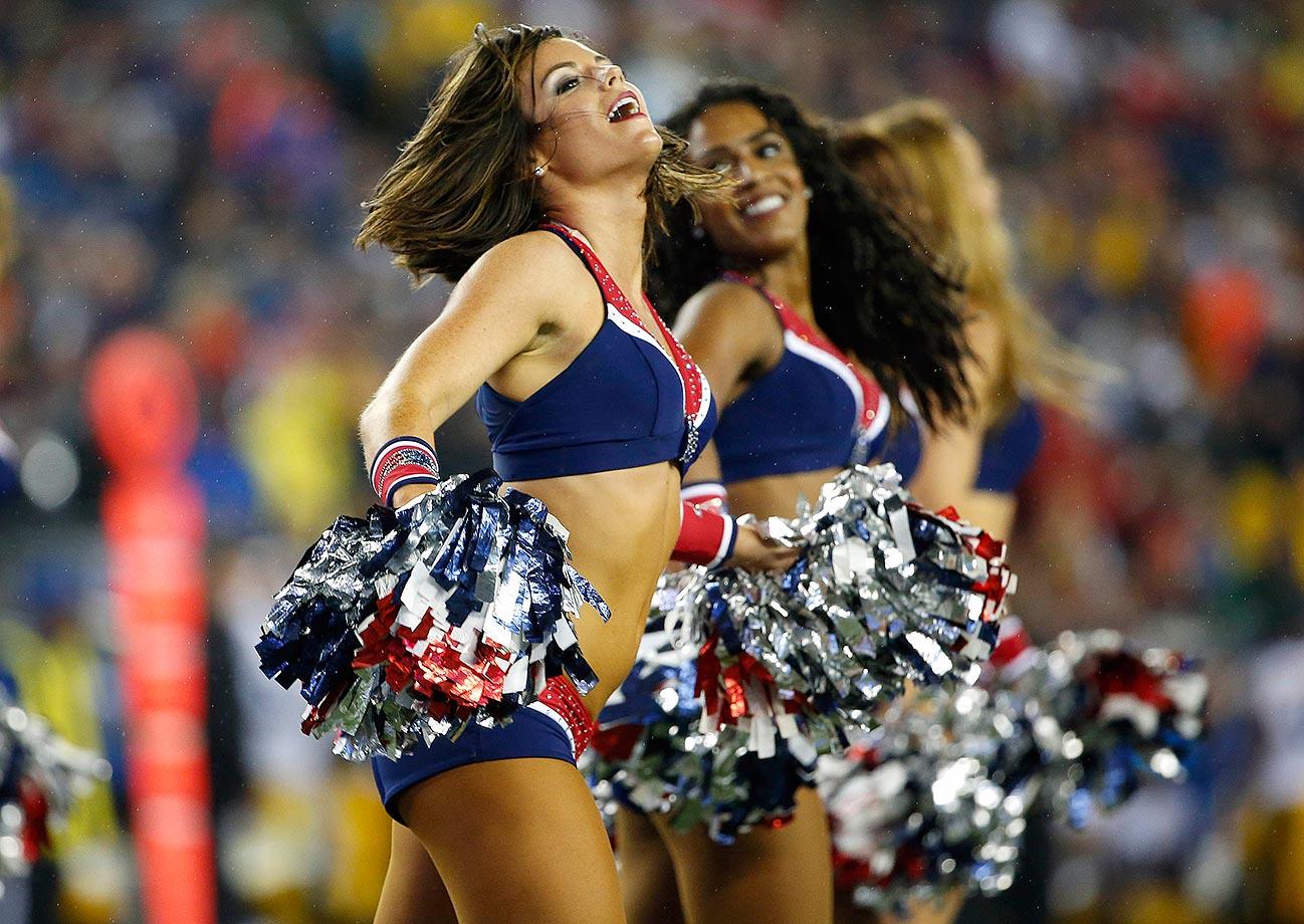 Cheerleader ohne Ende: So schn startet die NFL in ihre