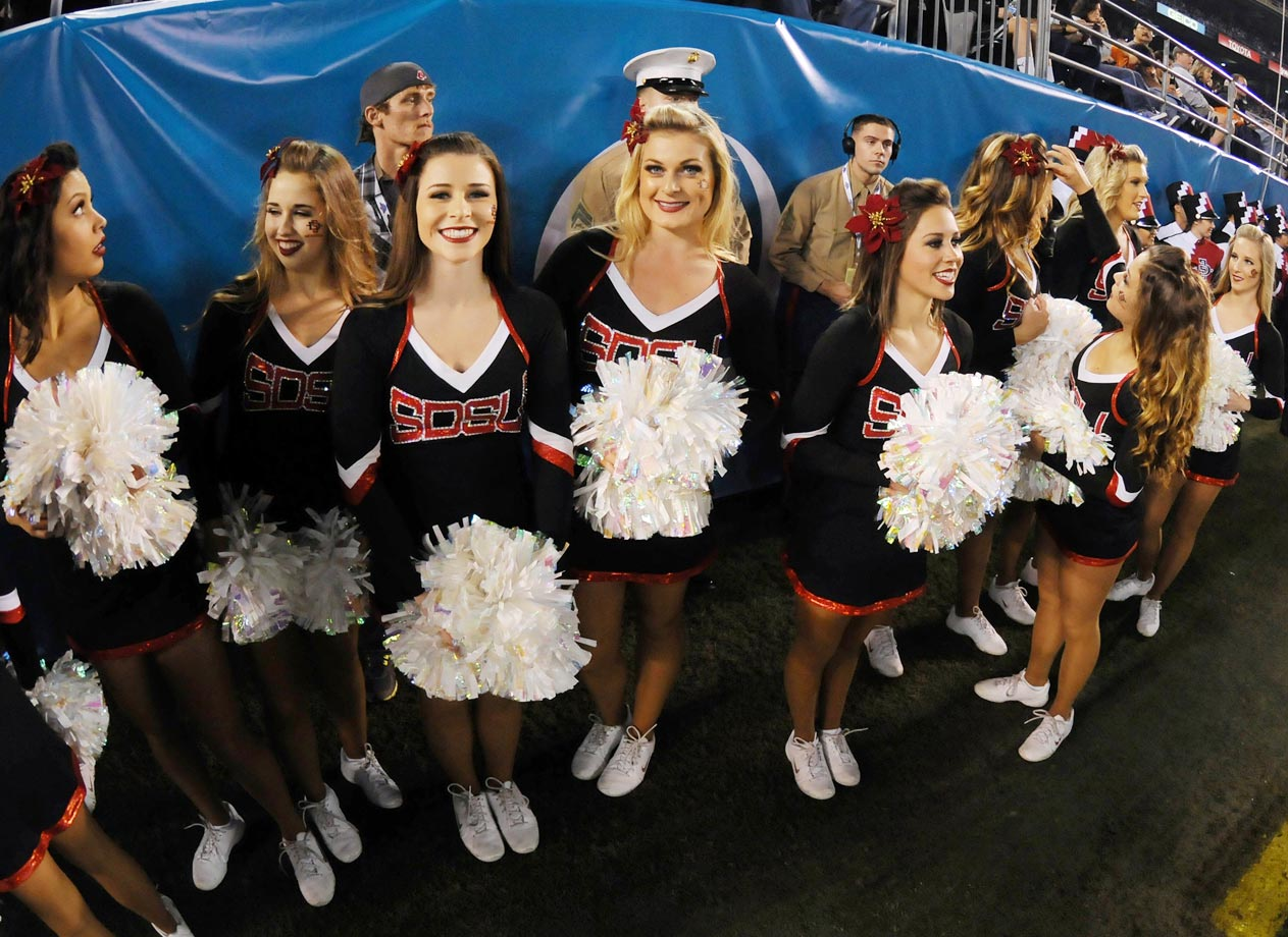 Poinsettia Bowl