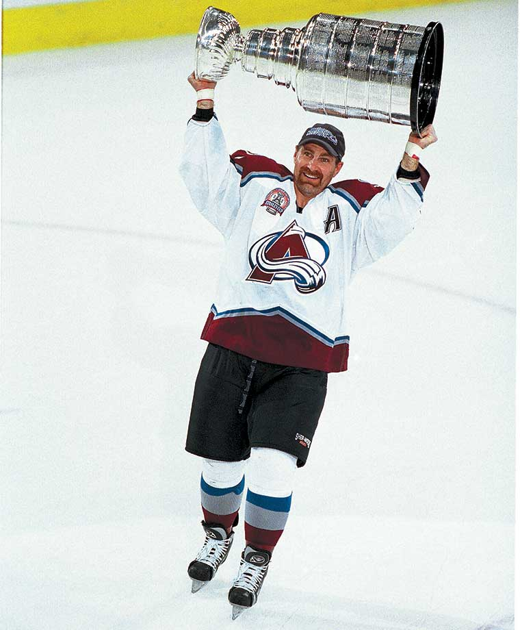 After failing to win a Stanley Cup in 21 seasons with the Boston Bruins, Ray Bourque was traded to Colorado midway through the 1999-2000 season. In his first full season with the Avalanche the 40-year-old Bourque finally won the Cup. In a ceremony three days later, Bourque returned to Boston and celebrated his Cup victory in front of 20,000 fans.