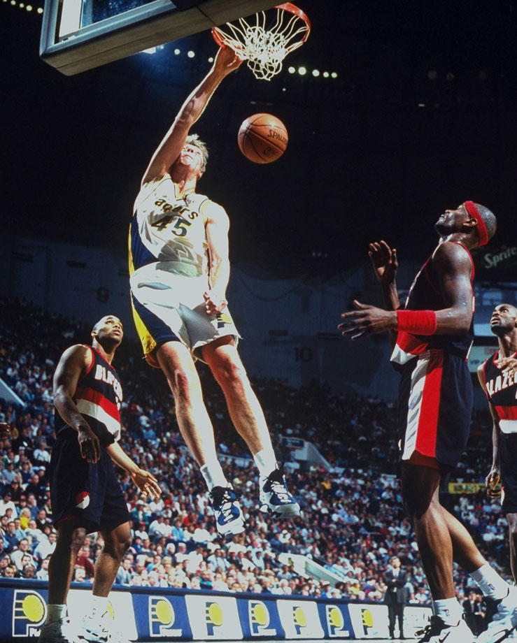 """The Dunking Dutchman"" played sidekick to Reggie Miller throughout the '90s and made an All-Star team in 1998. With a soft shooting touch, Smits anchored the Pacers' lineup and played for the franchise from 1988-2000."